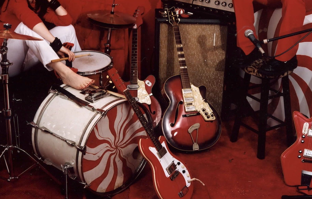 THE WHITE STRIPES CELEBRATE 20TH ANNIVERSARY OF WHITE BLOOD CELLS WITH DELUXE DIGITAL ALBUM & HD AUDIO REMASTERS featured image